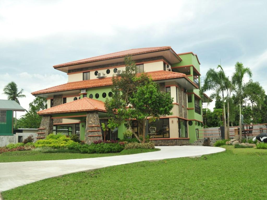 Best Beach Resorts in Laguna