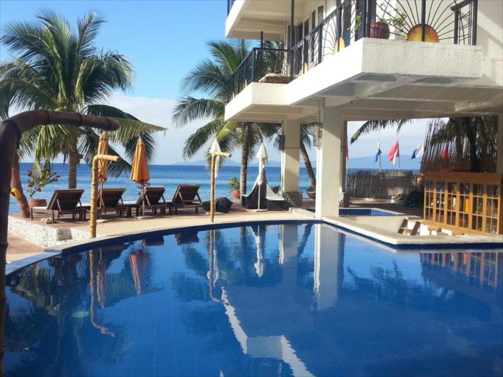 Best Beach Resorts in Puerto Galera, Philippines7