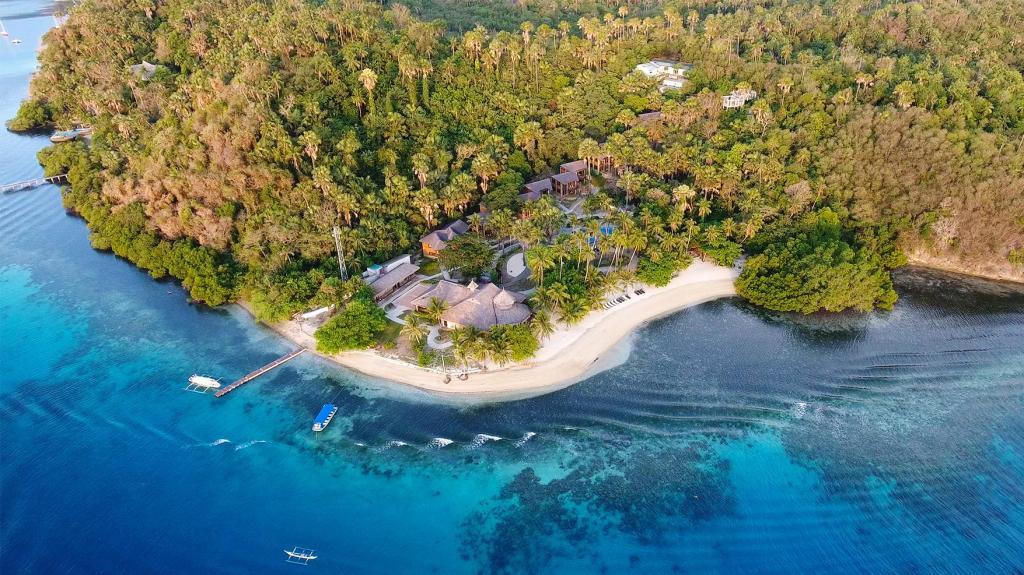 Best Beach Resorts in Puerto Galera, Philippines8