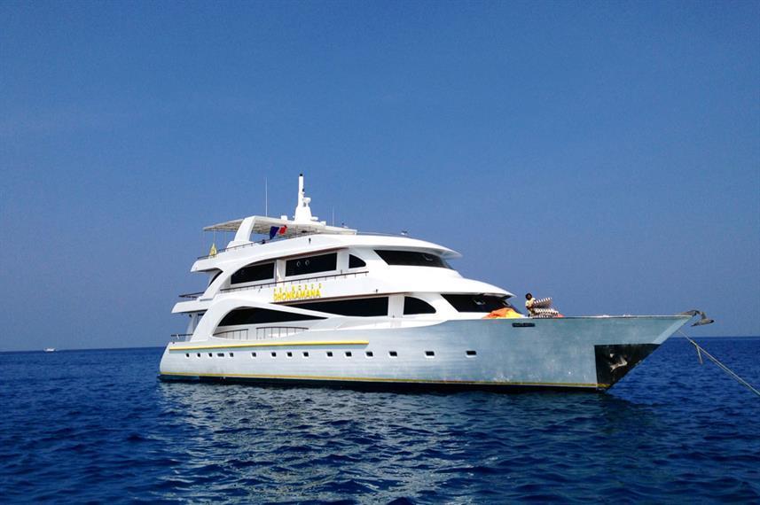 Best Liveaboard Dive Trips in Maldives2