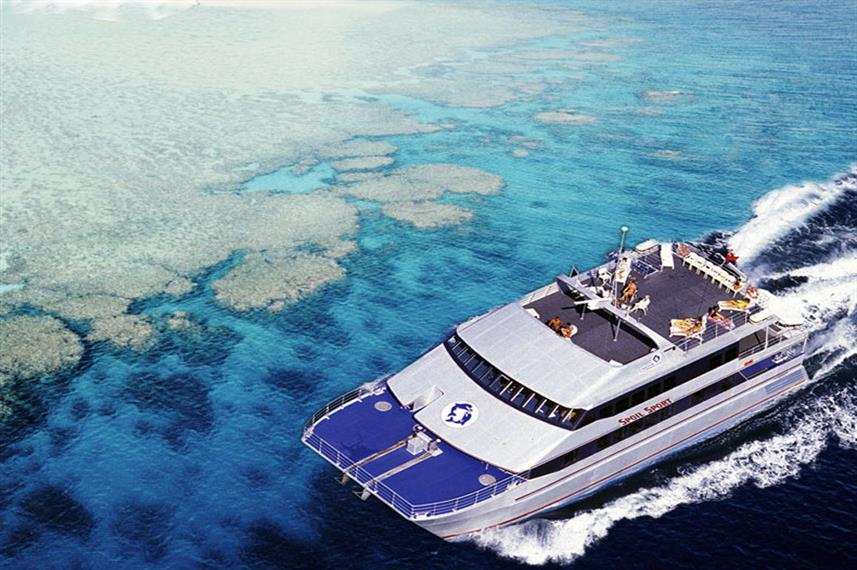 Best Liveaboards Dive Trips at the Great Barrier Reef7