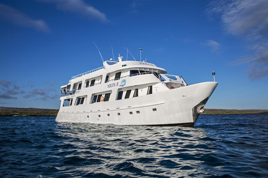 Best Liveaboards Dive Trips in Galapagos, Ecuador4