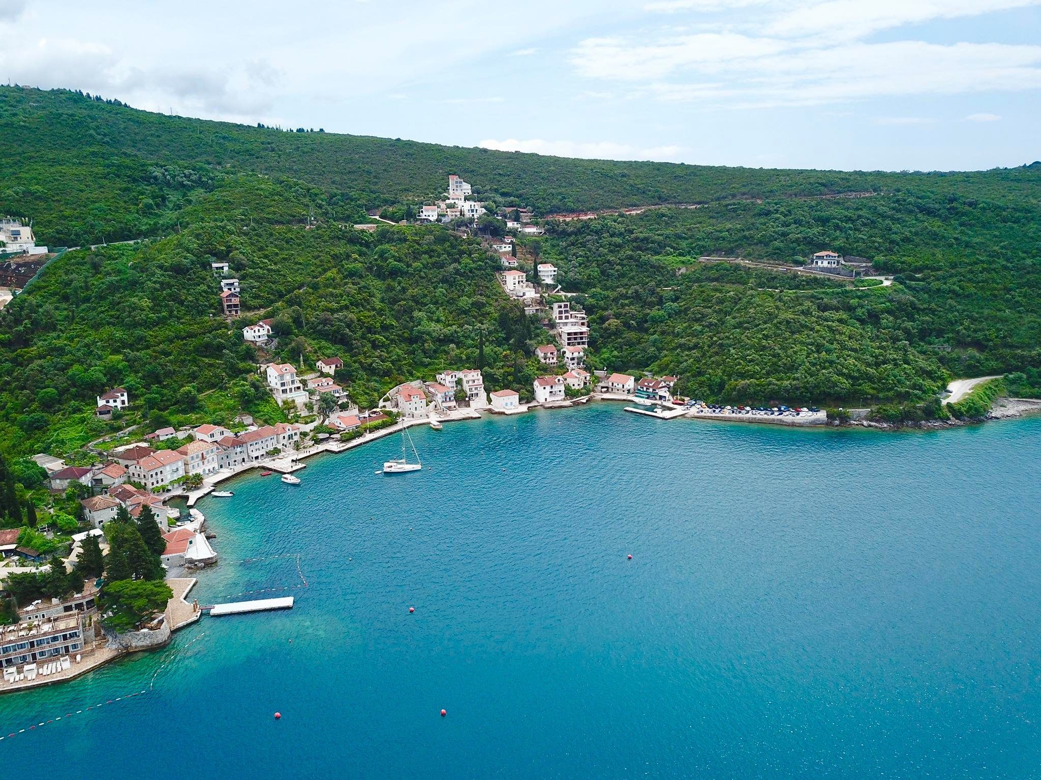 How To Fly From Manila to Montenegro