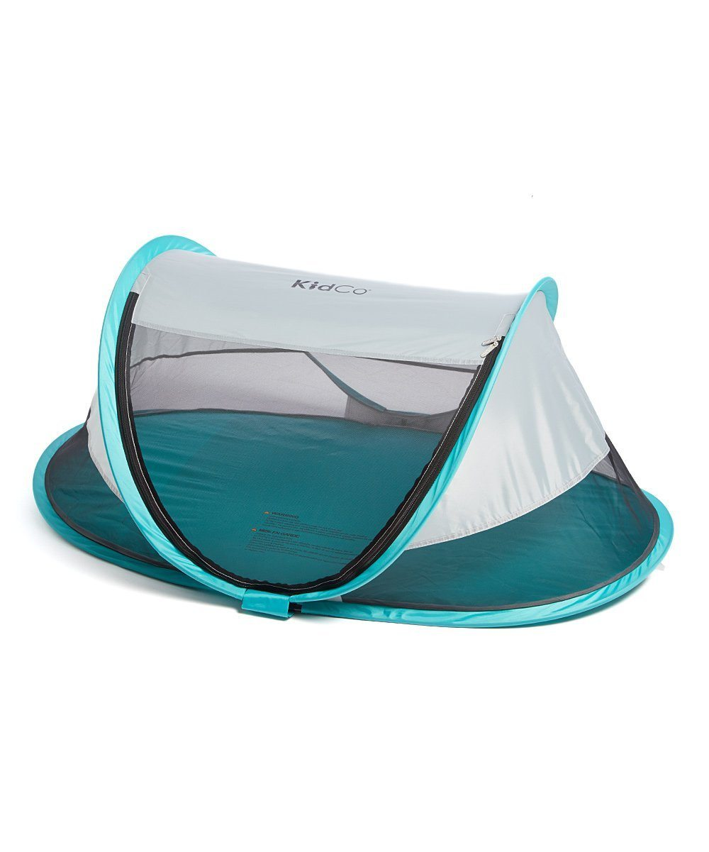 List of 10 Best Travel Cots for Traveling with a Baby 9