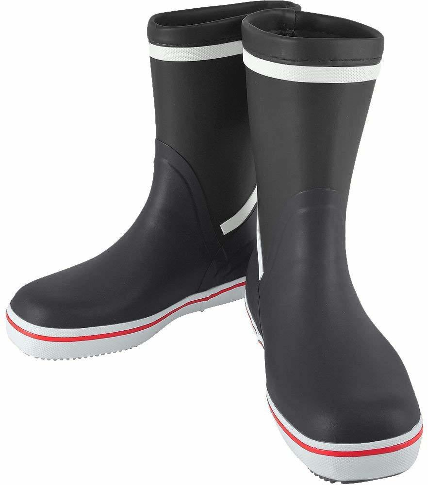 10 Sailing Boots that is Suitable for Any Water Activities 10