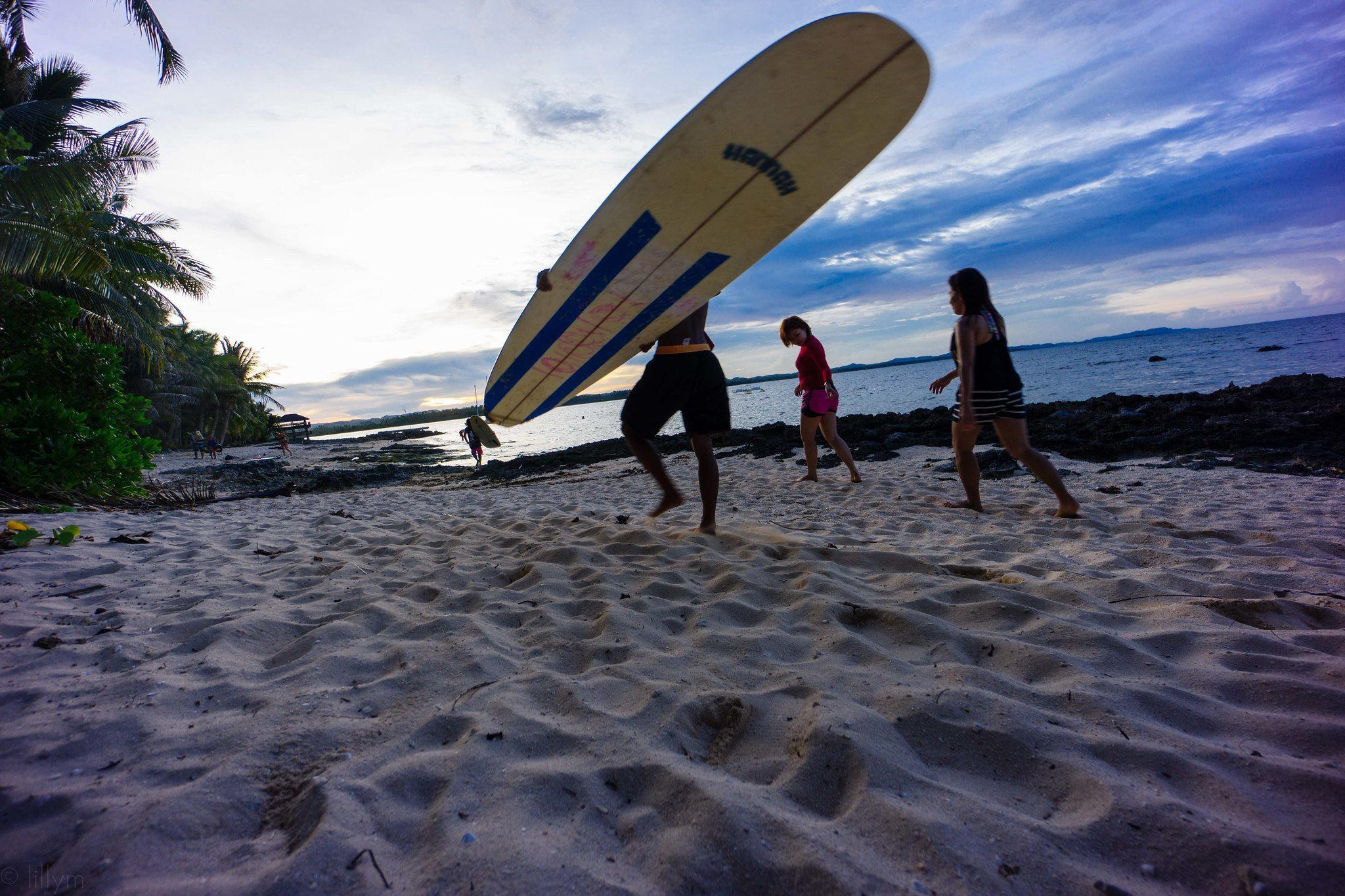 Best Surfing Destinations in the Philippines