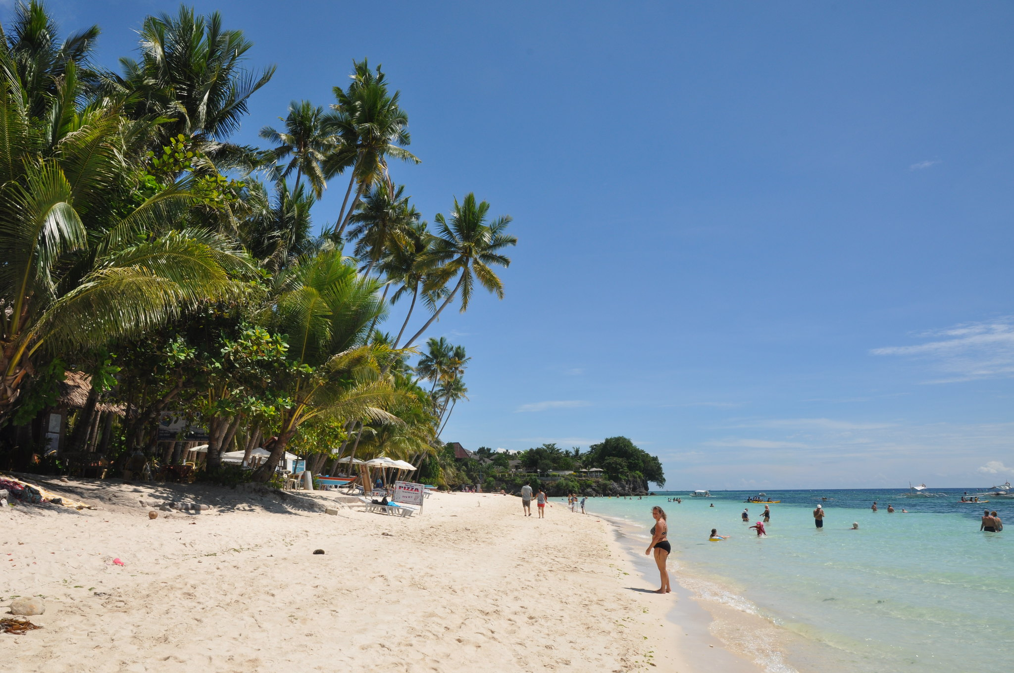 20 Best Islands with White Sand Beaches in the Philippines