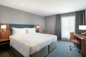 Best Hotels near London Airports - Heathrow, Gatwick, Stansted and Luton