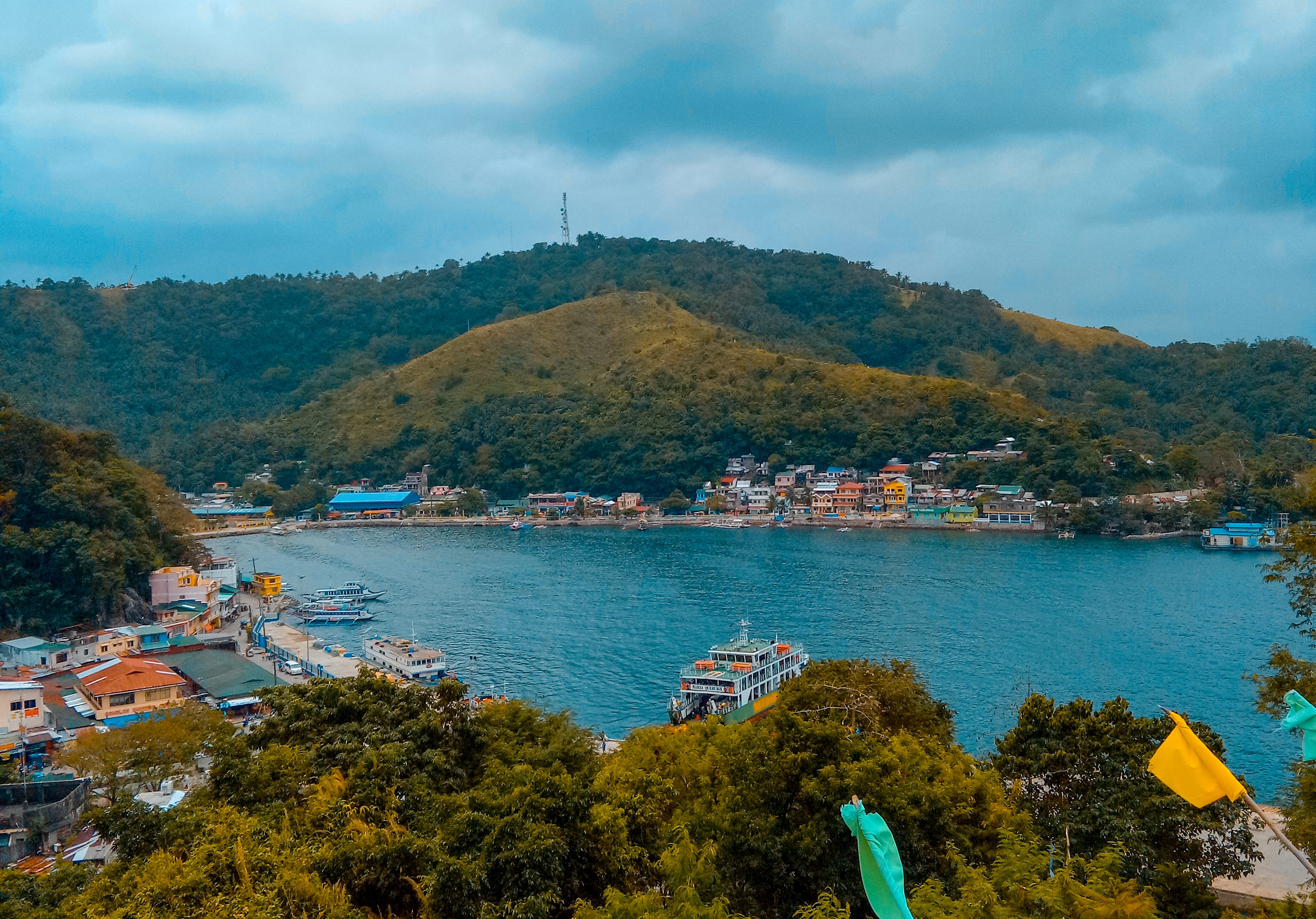 How to Travel from Manila to Romblon [by Plane or by Ferry]