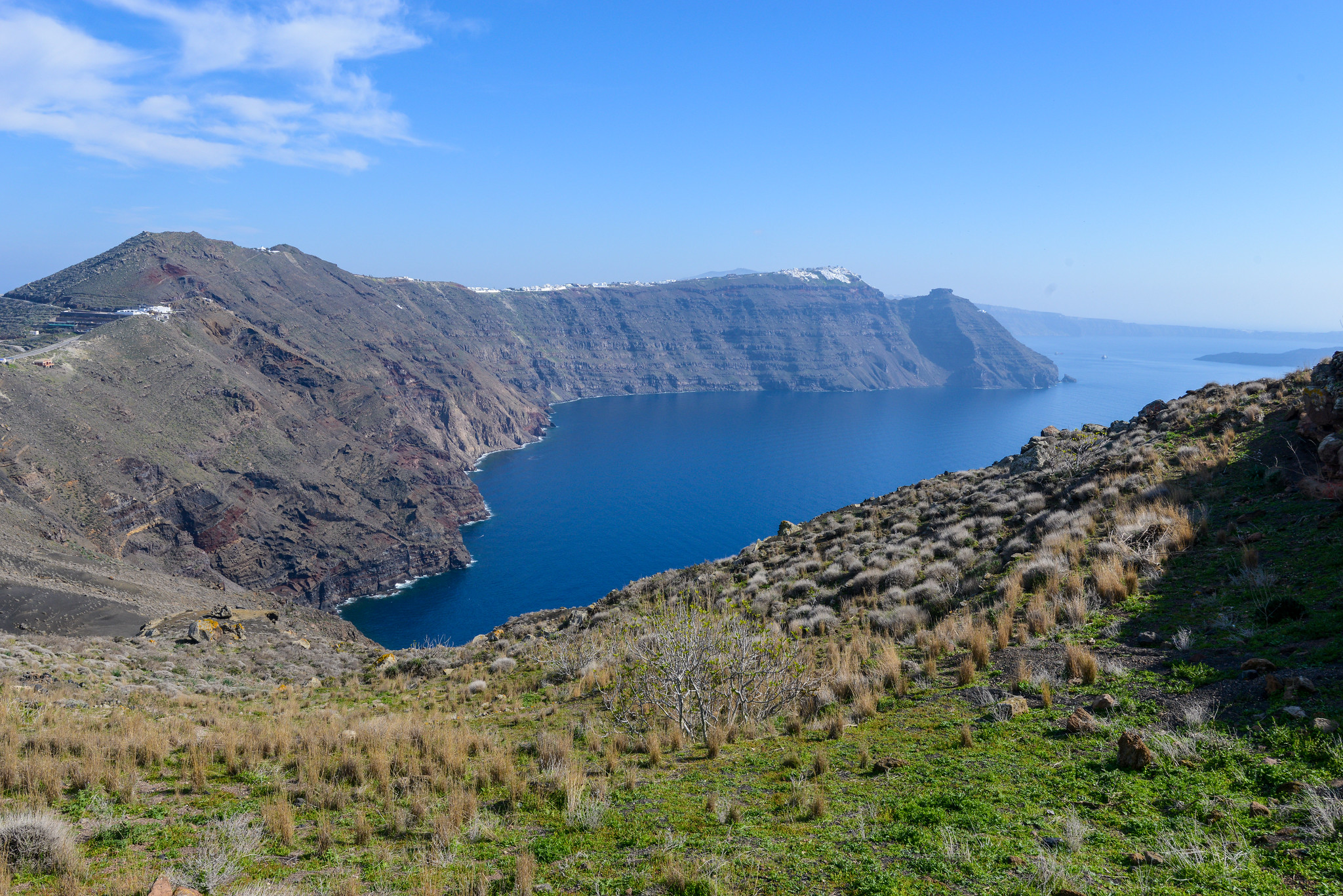 10 Best Things to do in Santorini, Greece [with Suggested Tours]