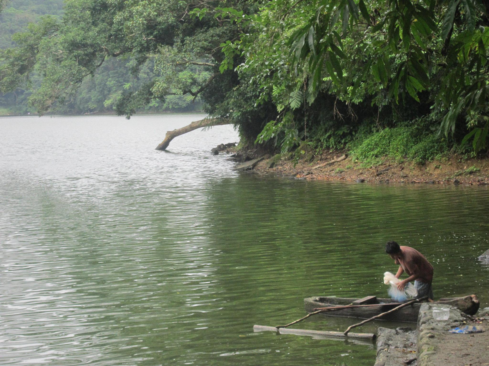 Travel Guide to Bulusan Lake, Sorsogon, Philippines