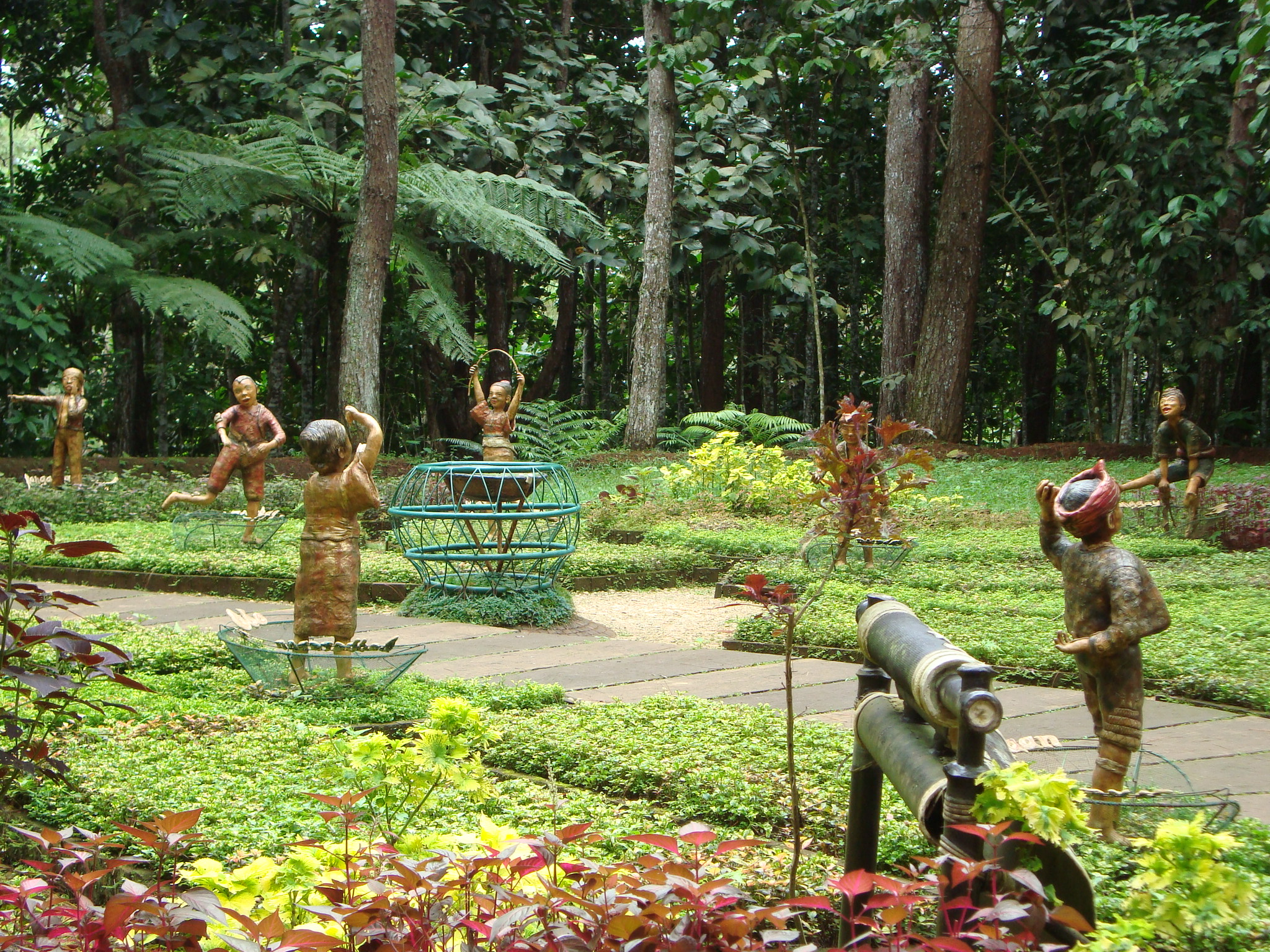 Travel Guide to Eden Nature Park and Resort