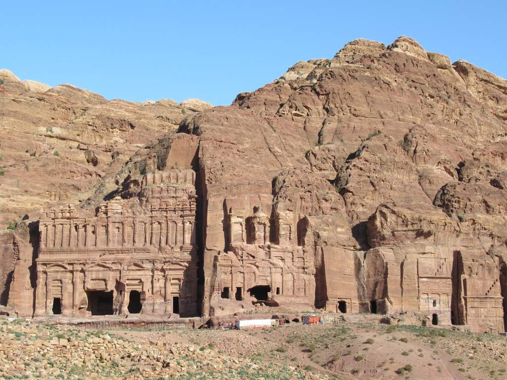 Travel Guide to Petra, Jordan [with Sample Itinerary]