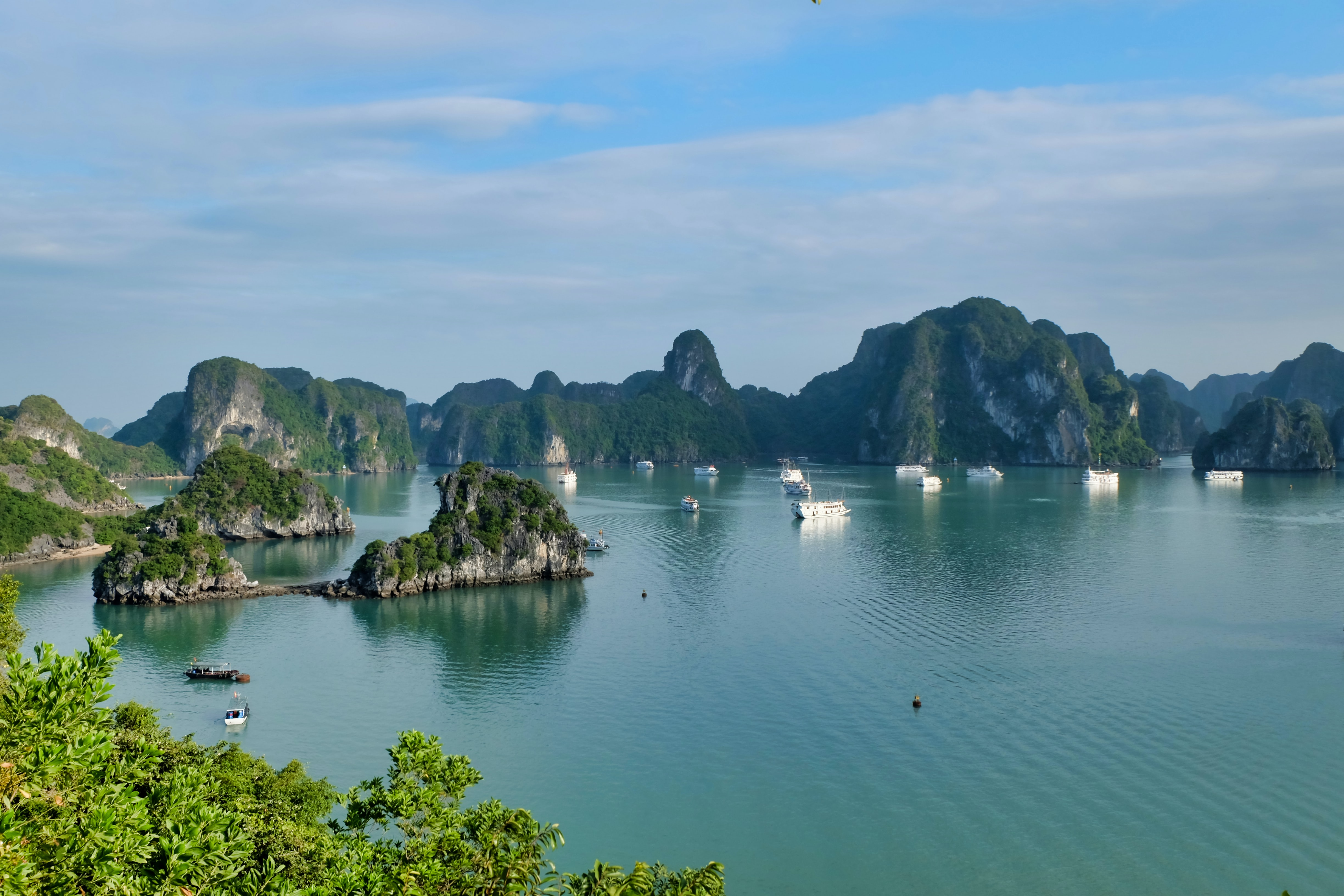 10 Best Things to do in Halong Bay, Vietnam
