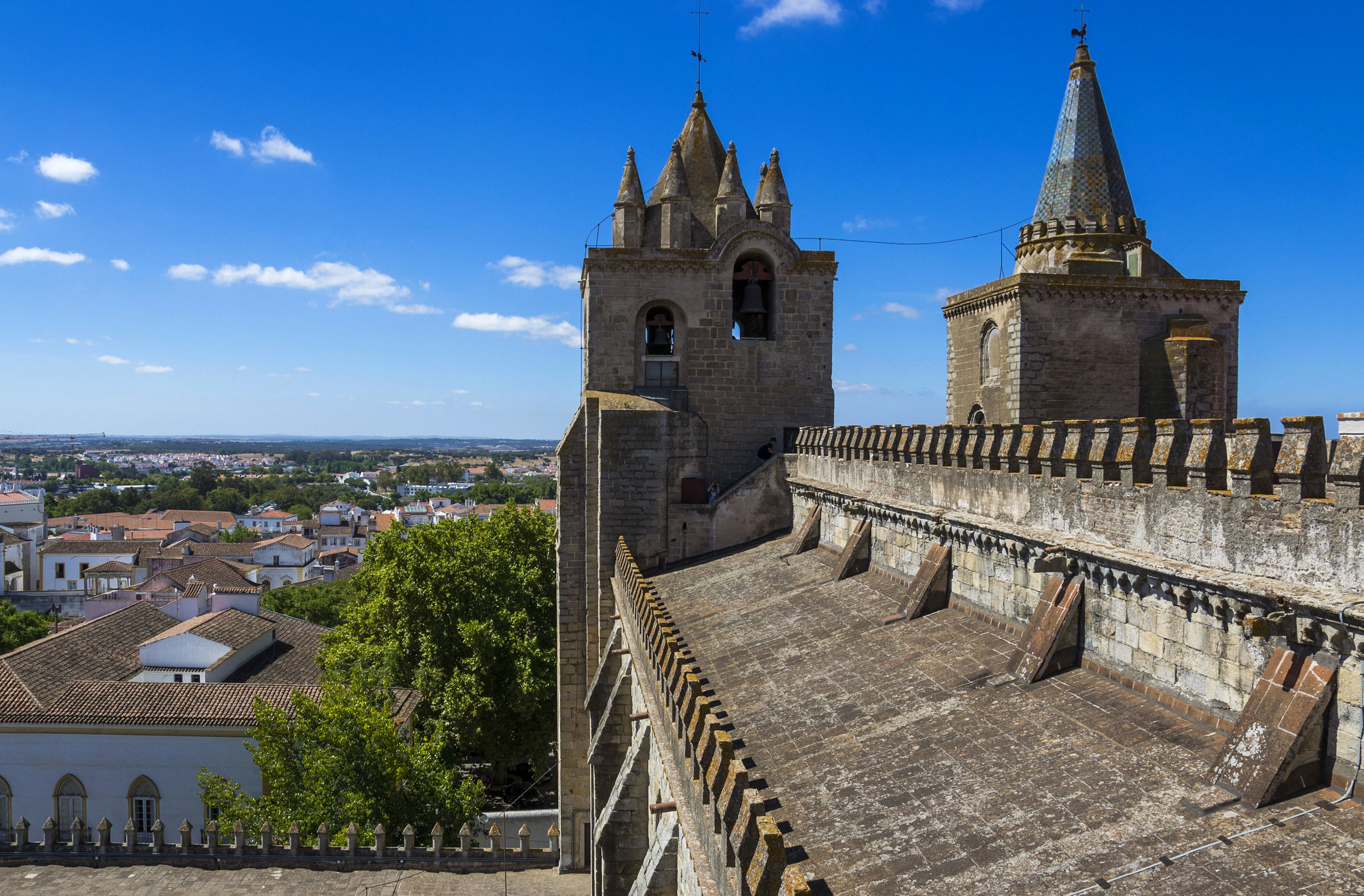 10 Best Things to do in Evora, Portugal