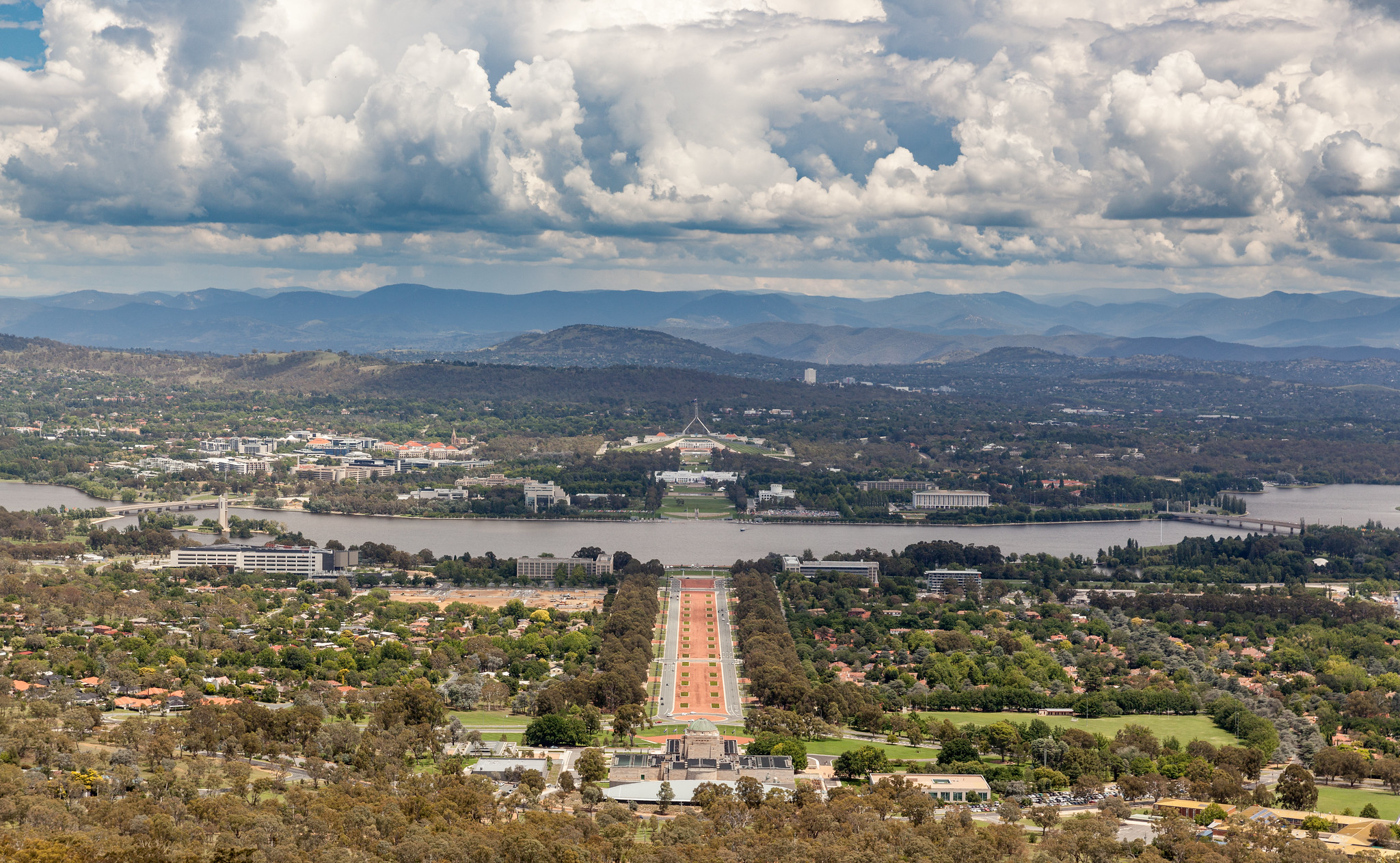 10 Best Things To Do in Canberra, Australia [with Suggested Tours]