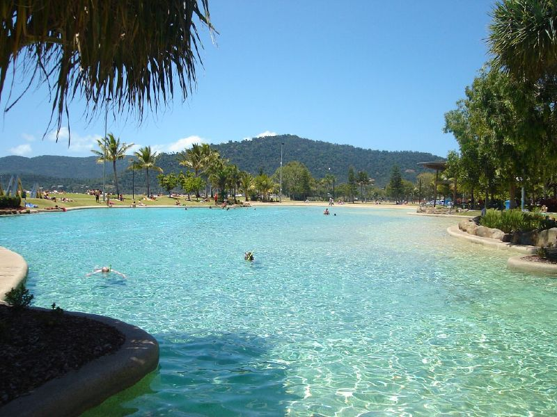 6 Best Things To Do in Airlie Beach, Australia [with Suggested Tours]